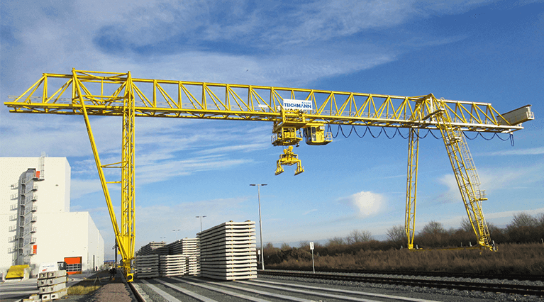 Grues portique